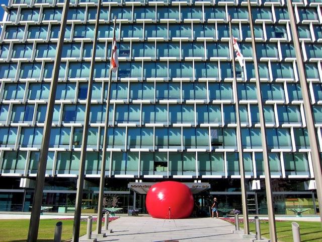 RedBall – La Bola Roja de Kurt Perschke